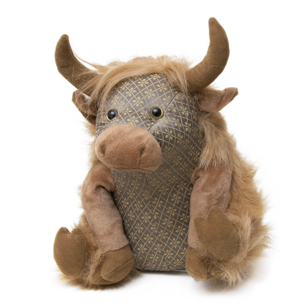 Dora.angus.highland.cow.01 1024x1024