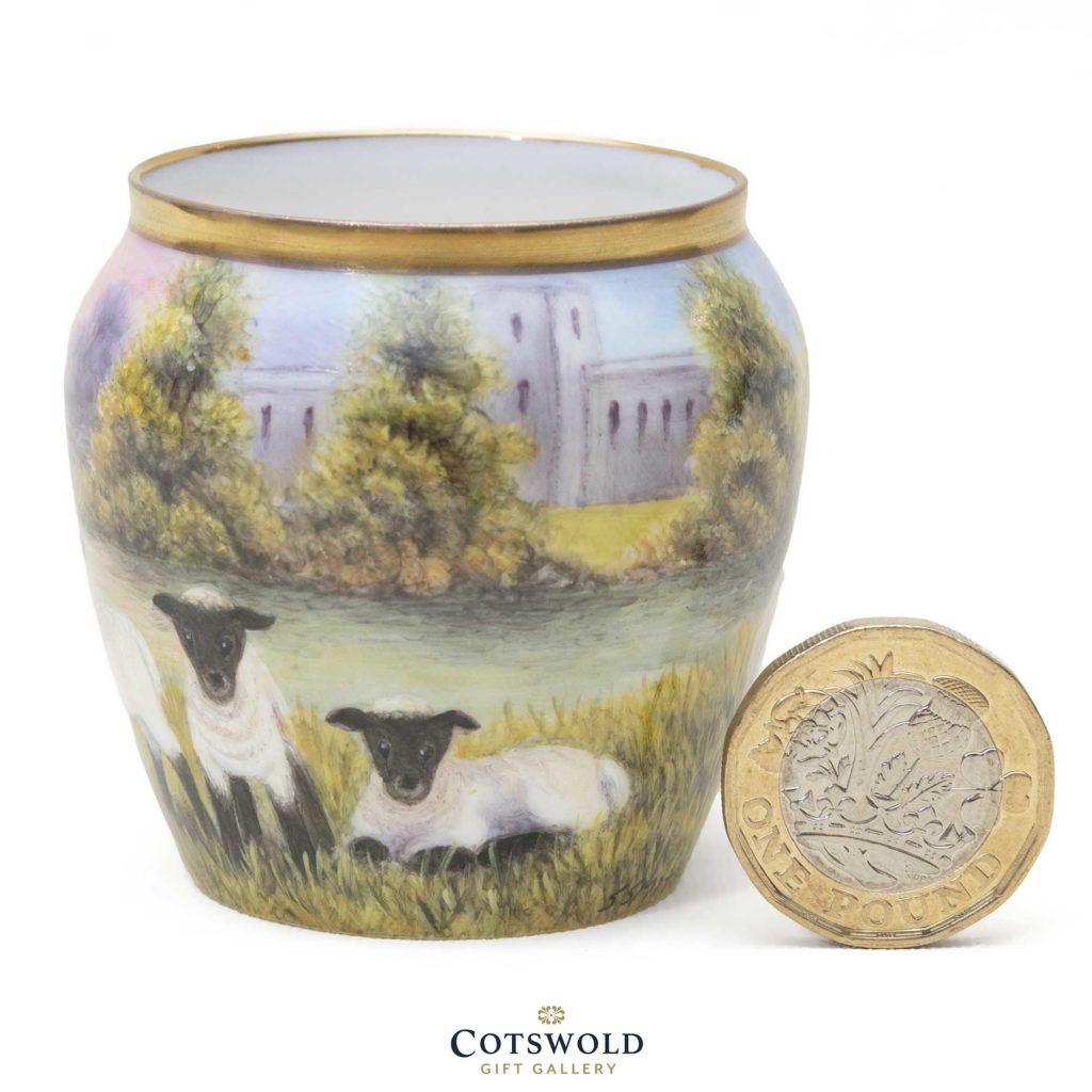 Steve Smith Miniature Sheep Vase 2 1 1024x1024