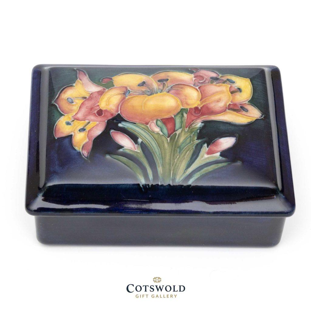 Walter Moorcroft Vintage Freesia Lidded Box 1 1024x1024