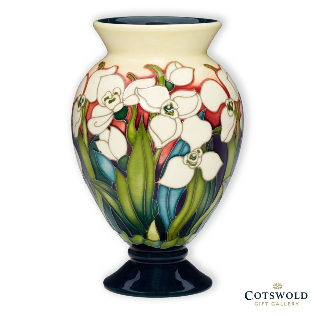 Moorcroft Pottery Christmas Polar Bear Vase 1024x1024