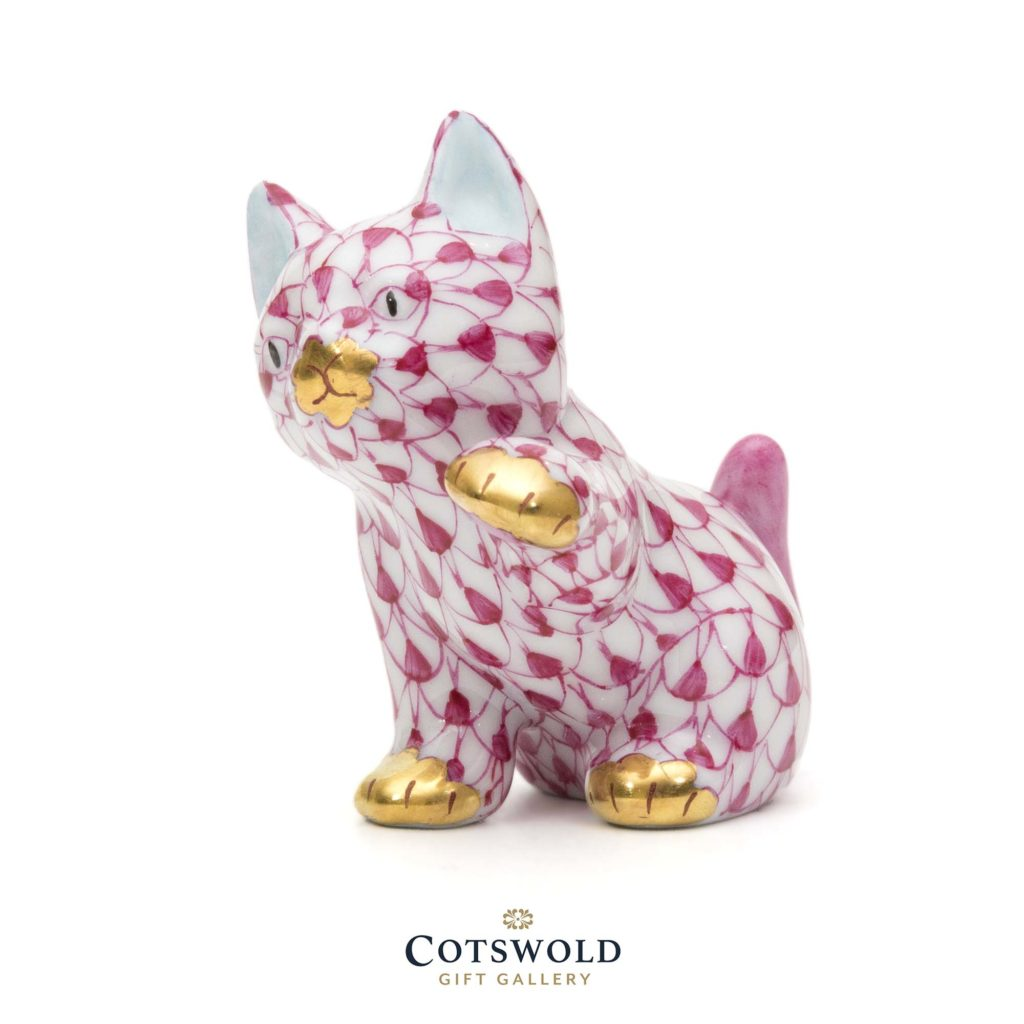Herend Porcelain Cat Paw Up Red 3 1024x1024
