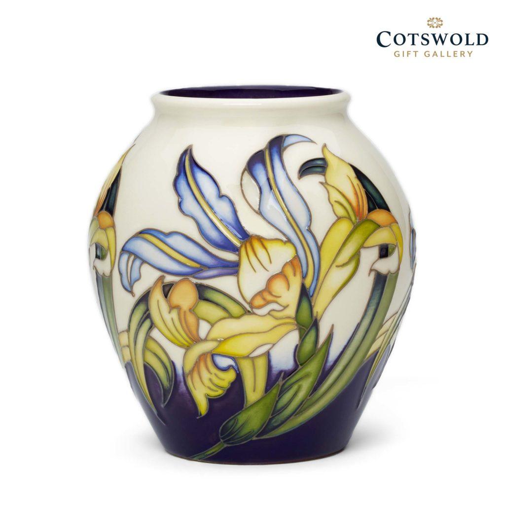 Moorcroft Pottery Italian Iris Vase 02 1024x1024